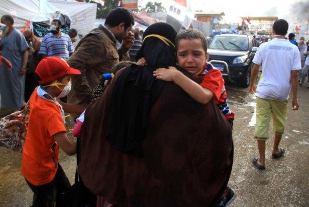 Rabia katliamının acı fotoğrafları 39