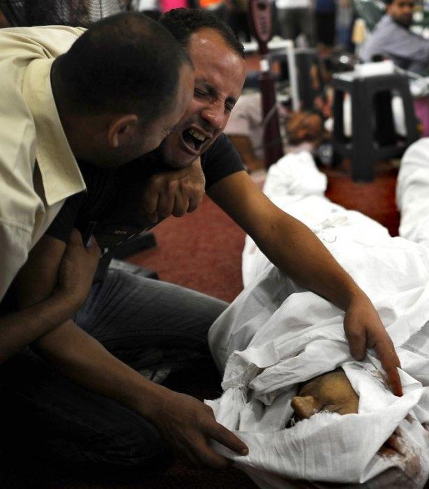 Rabia katliamının acı fotoğrafları 57