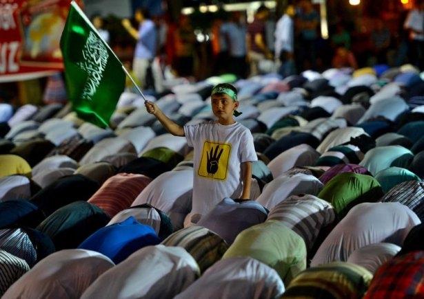 Rabia katliamının acı fotoğrafları 9