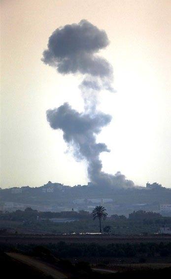 Gazze'ye düşen füzelerdeki gizli silüetler 1