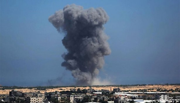 Gazze'ye düşen füzelerdeki gizli silüetler 3