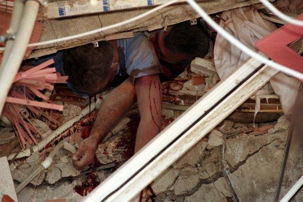 15 yıl önce Türkiye'yi yasa boğan faciadan kareler 21