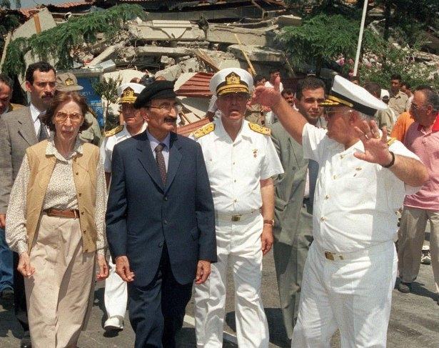 15 yıl önce Türkiye'yi yasa boğan faciadan kareler 30