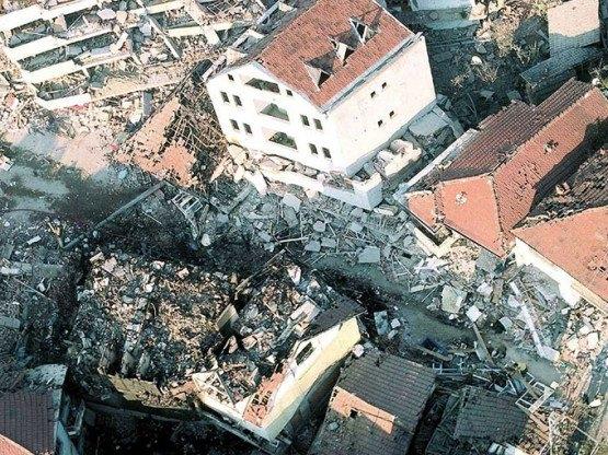 15 yıl önce Türkiye'yi yasa boğan faciadan kareler 50