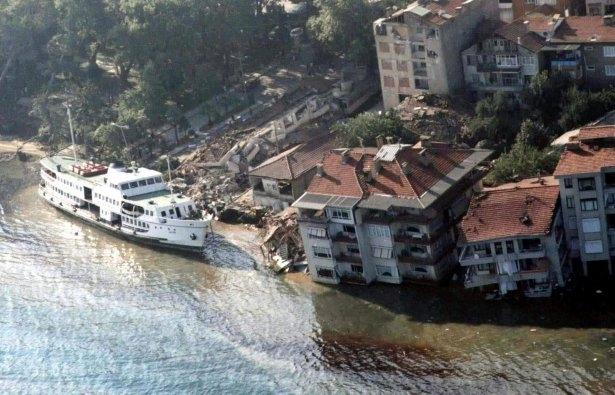 15 yıl önce Türkiye'yi yasa boğan faciadan kareler 6