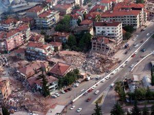 15 yıl önce Türkiye'yi yasa boğan faciadan kareler