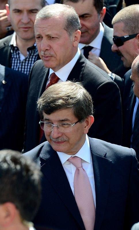 Erdoğan'la Davutoğlu Cuma'yı beraber kıldı 1