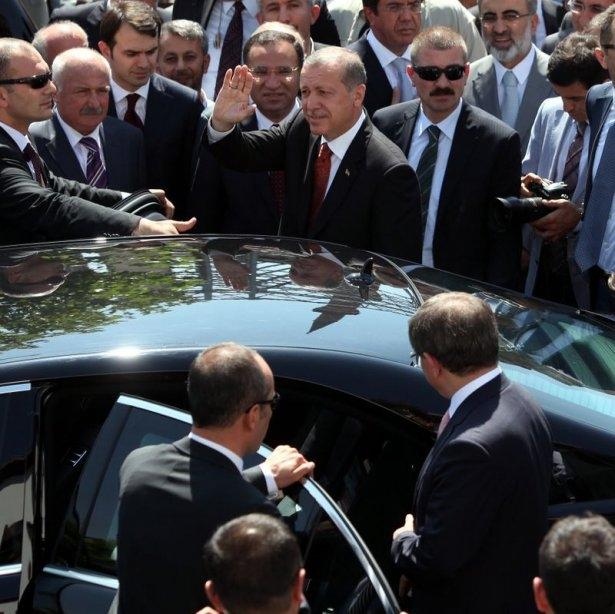 Erdoğan'la Davutoğlu Cuma'yı beraber kıldı 11