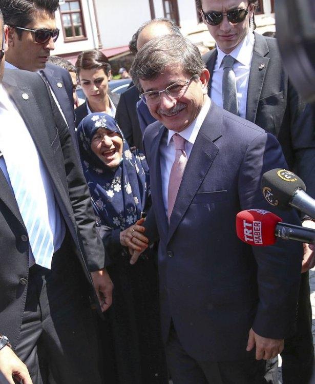 Erdoğan'la Davutoğlu Cuma'yı beraber kıldı 20