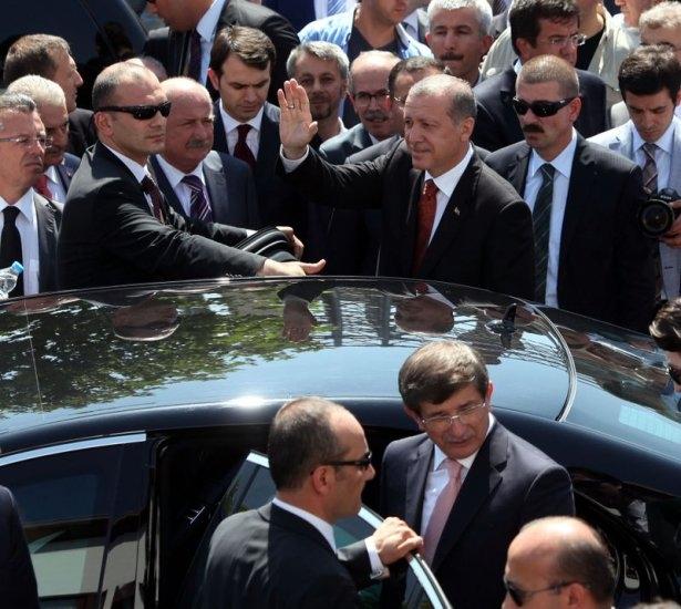 Erdoğan'la Davutoğlu Cuma'yı beraber kıldı 24