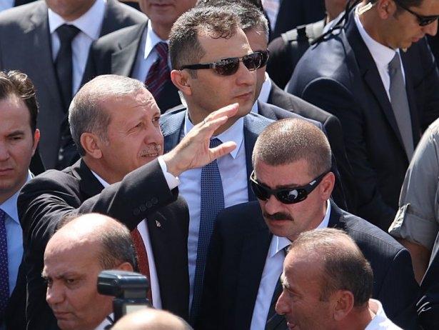 Erdoğan'la Davutoğlu Cuma'yı beraber kıldı 26