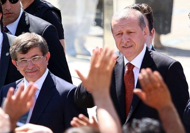 Erdoğan'la Davutoğlu Cuma'yı beraber kıldı 27