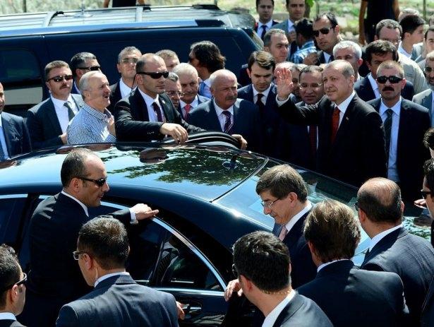 Erdoğan'la Davutoğlu Cuma'yı beraber kıldı 3