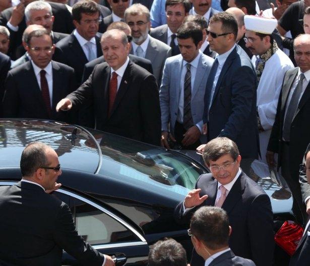 Erdoğan'la Davutoğlu Cuma'yı beraber kıldı 31