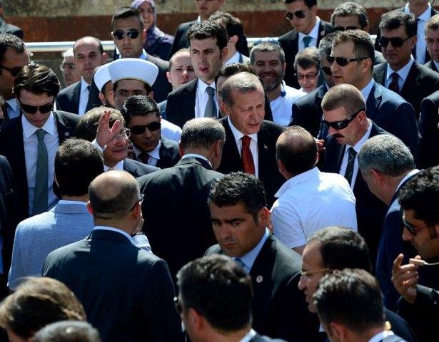 Erdoğan'la Davutoğlu Cuma'yı beraber kıldı 5