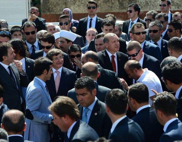 Erdoğan'la Davutoğlu Cuma'yı beraber kıldı 6