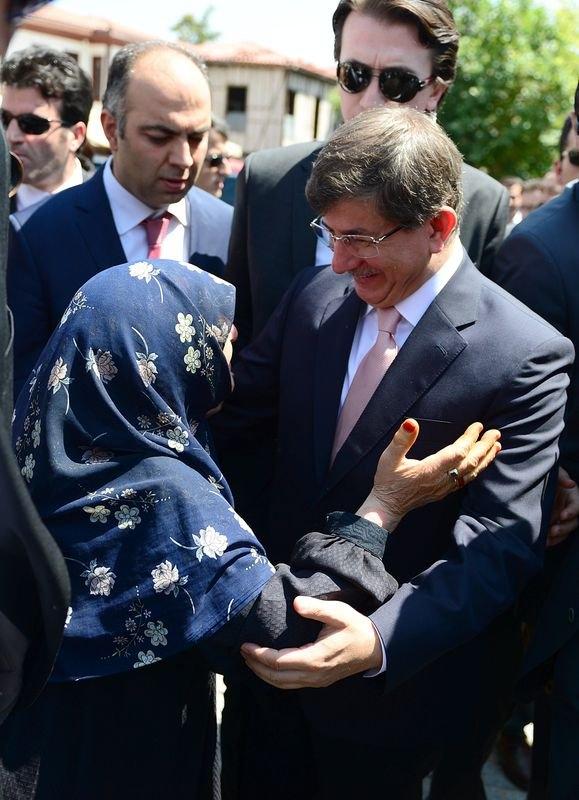 Erdoğan'la Davutoğlu Cuma'yı beraber kıldı 7