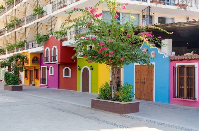 Dünyanın en renkli 19 şehri 10