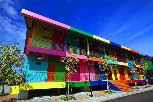 Dünyanın en renkli 19 şehri 5
