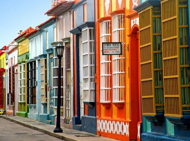 Dünyanın en güzel renkli evleri 22