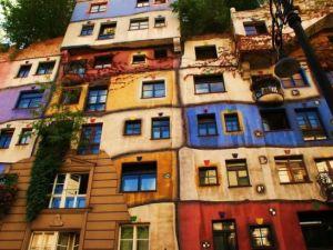 Dünyanın en güzel renkli evleri