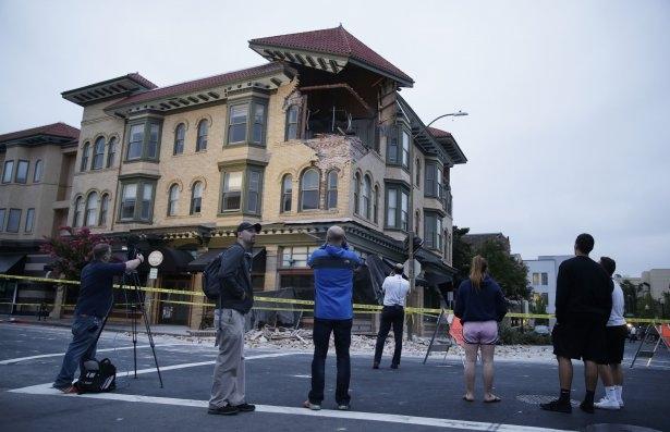 ABD'de 6 şiddetinde deprem! 23