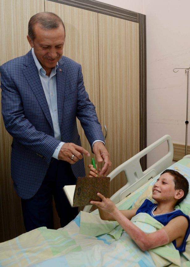 Erdoğan'dan Gazzeli yaralılara ziyaret 12