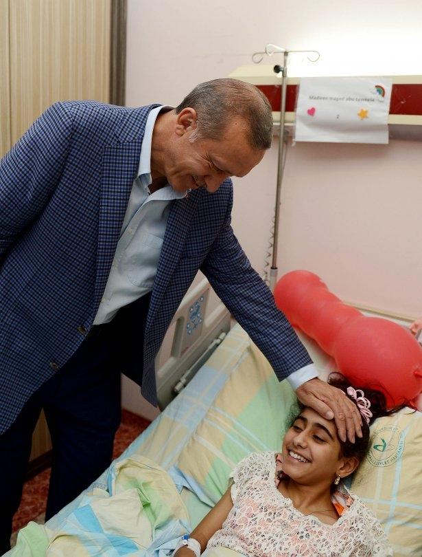 Erdoğan'dan Gazzeli yaralılara ziyaret 13
