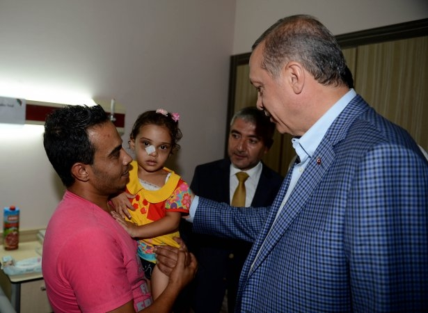 Erdoğan'dan Gazzeli yaralılara ziyaret 9