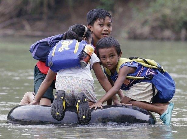 Dünyanın en tehlikeli okul yolları 25