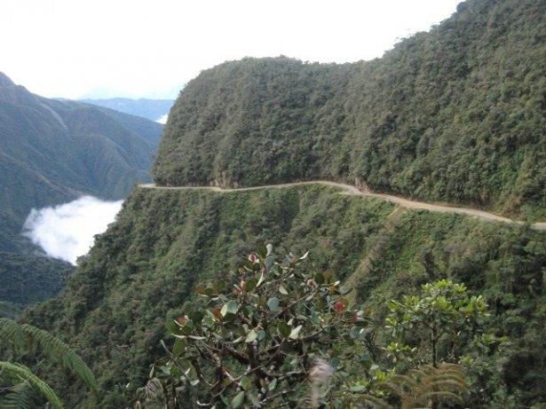 Dünyanın en tehlikeli okul yolları 27