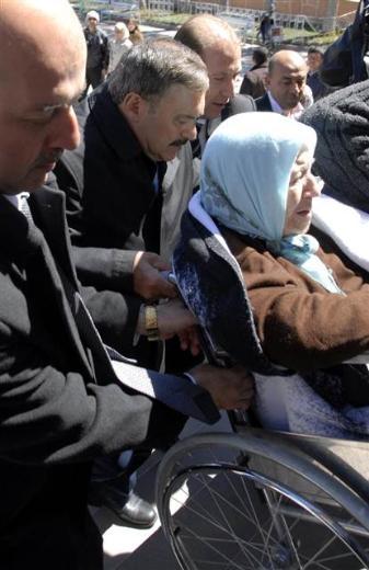 Engelli ve yaşlı vatandaşların oy çilesi 25