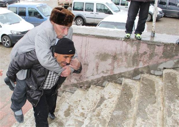 Engelli ve yaşlı vatandaşların oy çilesi 7