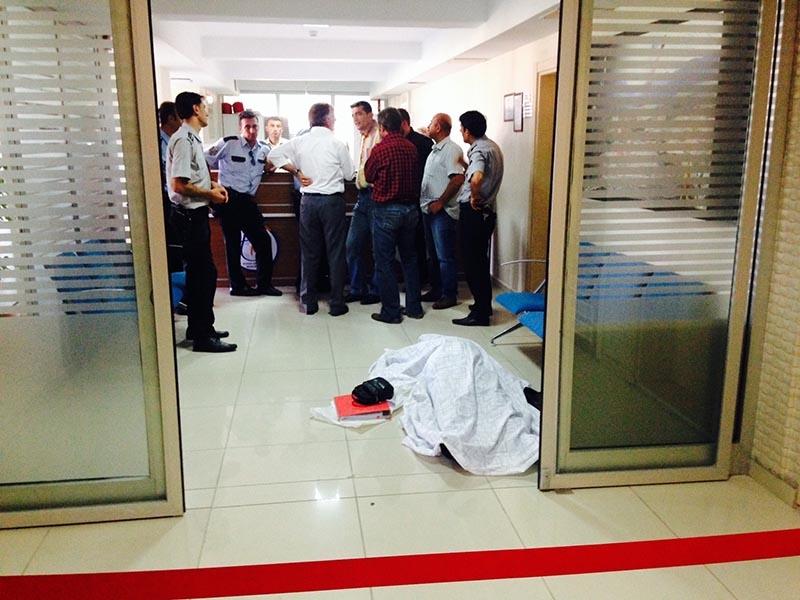 Harita Mühendisi Tapu Müdürlüğü binasında kalbine yenik düştü 2