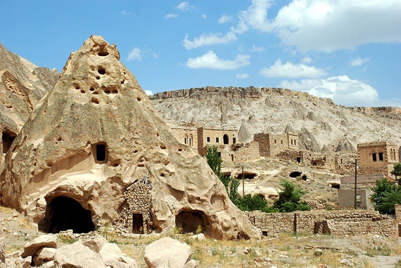 En büyük kale manastırı: Selime Katedrali 1