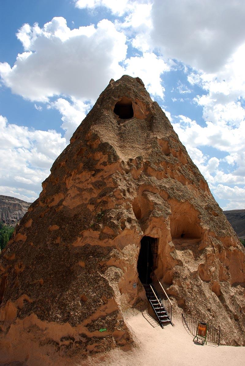 En büyük kale manastırı: Selime Katedrali 2