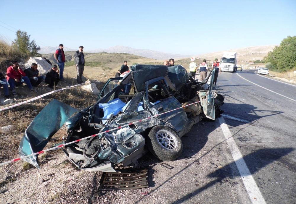 Feci kaza: 4 ölü, 20 yaralı 1