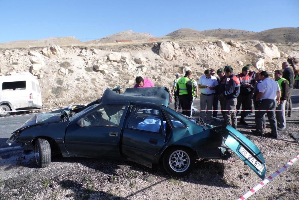 Feci kaza: 4 ölü, 20 yaralı 10
