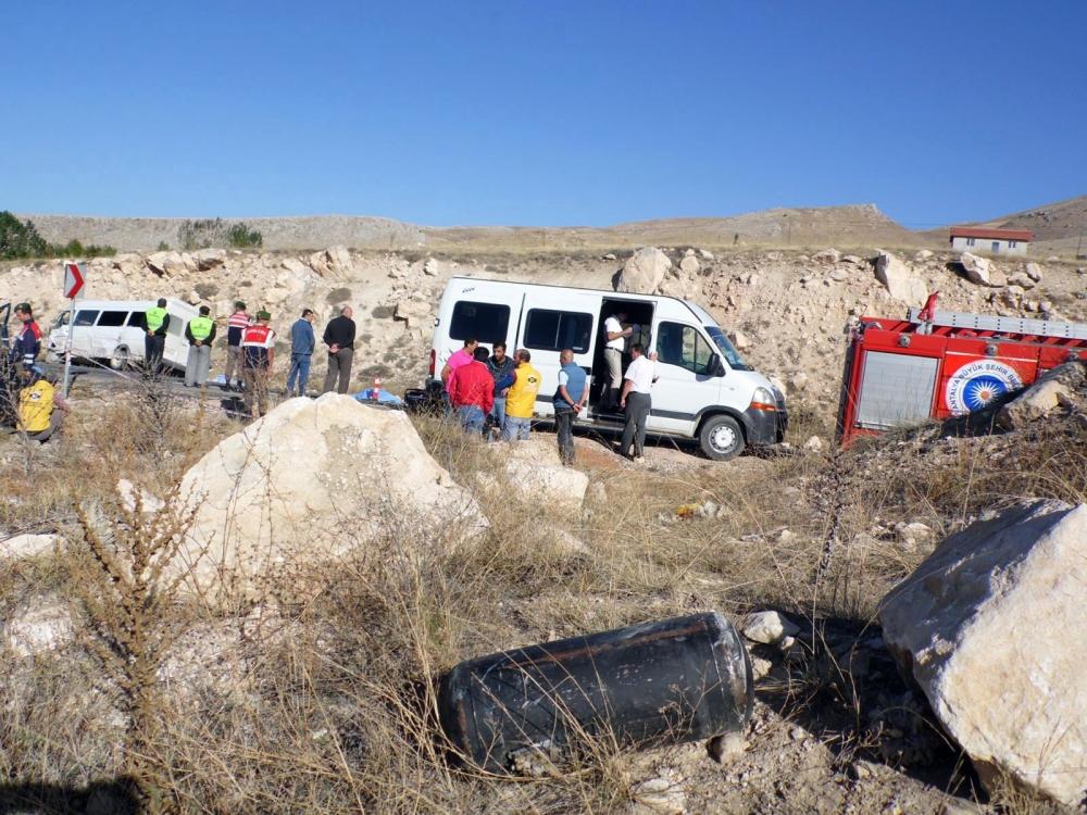 Feci kaza: 4 ölü, 20 yaralı 12