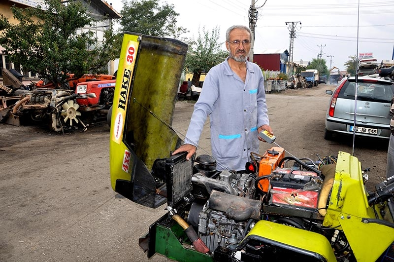 Uzaktan kumandalı bahçe traktörü üretti 10
