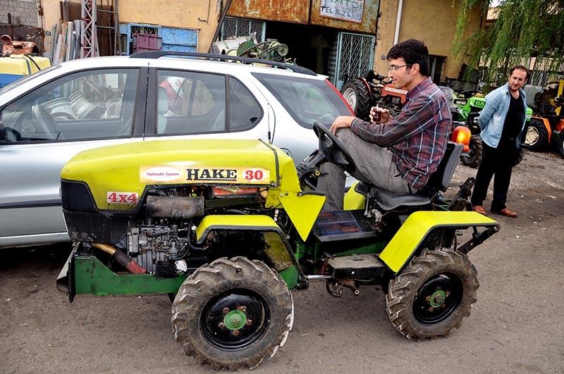 Uzaktan kumandalı bahçe traktörü üretti 12