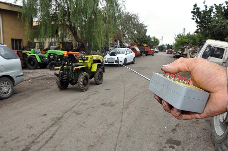 Uzaktan kumandalı bahçe traktörü üretti 3