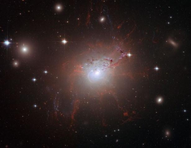 Hubble teleskopundan inanılmaz kareler 42