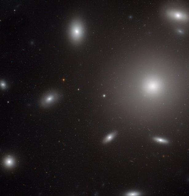 Hubble teleskopundan inanılmaz kareler 80