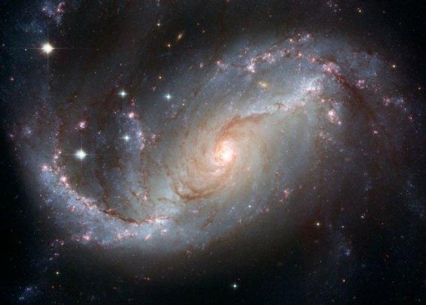 Hubble teleskopundan inanılmaz kareler 82