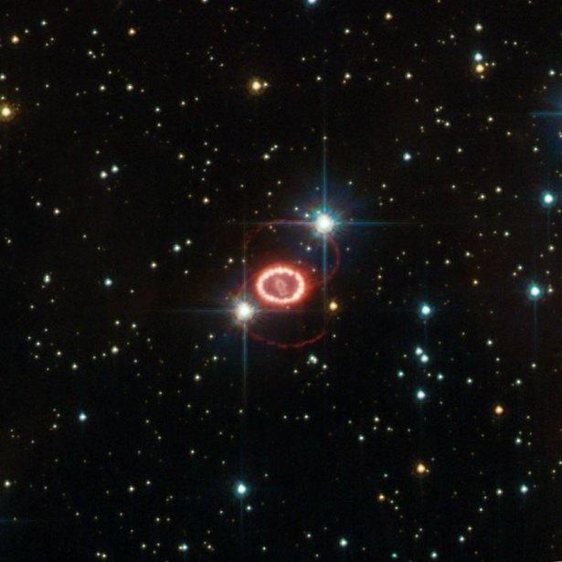 Hubble teleskopundan inanılmaz kareler 86