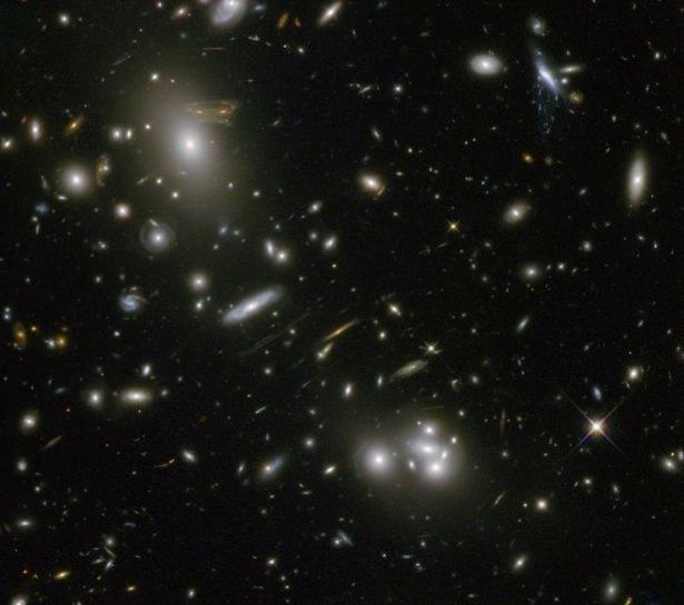 Hubble teleskopundan inanılmaz kareler 88