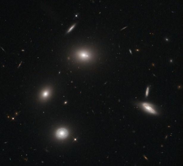 Hubble teleskopundan inanılmaz kareler 94