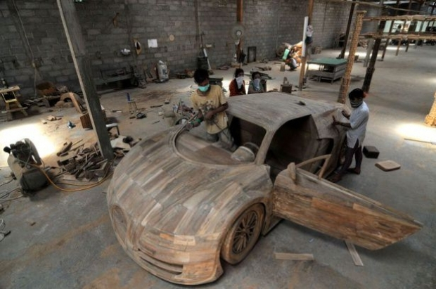 Ağaçtan Yapılan Bugatti 13