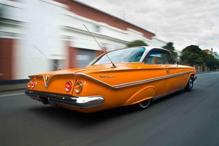 Klasik arabalar göz dolduruyor 77